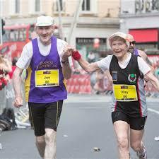 57 ans de mariage a 80 ans ils courent un marathon pour fêter leurs 57 ans de mariage