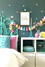 Decorating Ideas For Girls Bedroom by 25 Best Simple Girls Bedroom Ideas On Pinterest Small Girls
