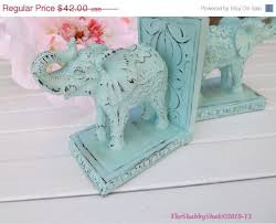 Shabby Chic Office Accessories by Best 25 Chic Office Decor Ideas On Pinterest Gold Office Gold
