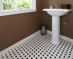 fliesen badezimmer preise bad fliesen kosten für material und handwerker am beispiel berechnet