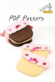 cupcake purse sweet frosted cupcake pouch sew and sell pdf pattern and
