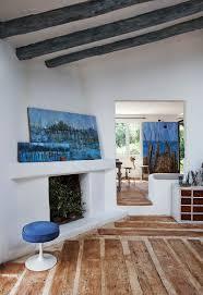 Wohnzimmer Design Mit Kamin Atelier Und Haus Am See In Costa Brava Freshouse