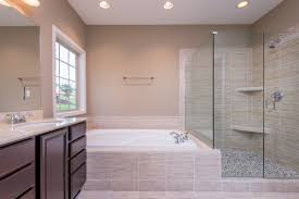 the master bathroom of the hartford ii floor plan by ball homes