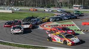 lamborghini race car lamborghini trofeo series will rent you a race car for 35k