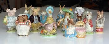 inzameling inbare beswick beatrix potter figurines stock foto