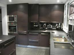cuisine blanche mur aubergine cuisine blanche mur aubergine 8 cuisine en u avec bar en u avec