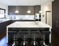 exemple cuisine moderne cuisine moderne avec ilot central design 5 en image 686 539 lzzy co
