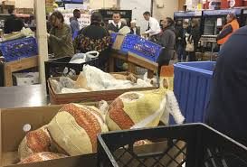 banks open on friday after thanksgiving marysville food bank hands out hundreds of turkeys for