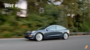 how the tesla model 3 got motortrended and lost car of the year
