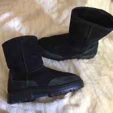 ugg s boots black 71 ugg boots black ugg boots these rubber sole from