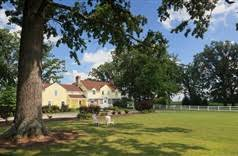 Clothing Optional Bed And Breakfast Hideaway Country Inn In Bucyrus Ohio B U0026b Rental