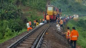 Kereta Api Jalur Kereta Api Ambles Ini Penjelasan Pt Daop 2 Tribun Jabar