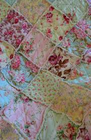 Fabric Shabby Chic by 25 Best Shabby Chic Quilts Ideas On Pinterest White Quilts Rag
