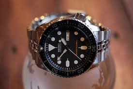 amazon black friday specials on seiko mens watches hands on the new seiko prospex 200m divers srp775 and srp777