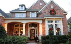 tips for decorating your entrance for christmas