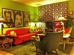 looking at pictures of other peoples kitsch interior designs can