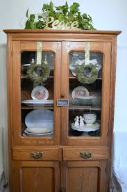 How To Display China In A Hutch Awesome Decorating A China Cabinet Photos Home Design Ideas