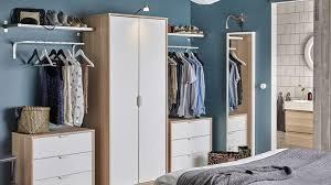 armoires de chambre quel est l endroit idéal pour placer une armoire dans une chambre