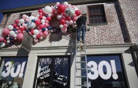 balloon delivery ta t a lorton home decor store turns 30 this month features