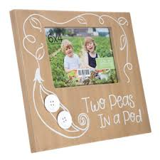 two peas in a pod picture frame two peas in a pod wood frame 4 x 6 hobby lobby 631671