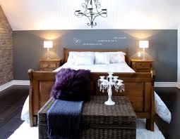 schlafzimmer mit schrge einrichten wohndesign schönes moderne dekoration kleines zimmer mit