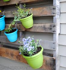 garden display ideas diy vertical pallet garden jenna burger