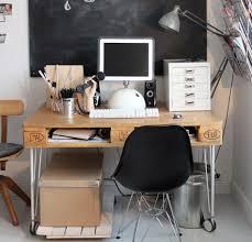 bureau palette bois faire un bureau en bois de palette des modèles interiors