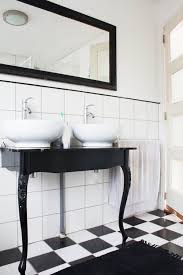 black and white tile bathroom ideas 10 gorgeous black and white bathrooms huffpost