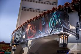 what is the vip experience at halloween horror nights category
