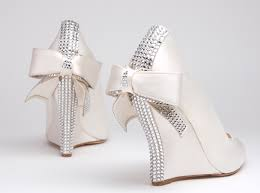wedding dress shoes how to choose bridal shoes weddingelation