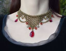 red crystal choker necklace images Fantasy medieval chainmail jewelry with leaf green crystal JPG