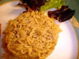 cuisiner du riz blanc recette de riz gouteux pour changer du riz blanc