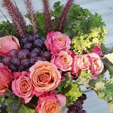 Backyard Flower Gardens by 10 Garden Fresh Flower Arrangements From Your Backyard