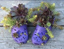Unique Garden Decor Plants And Flowers In Old Shoes And Boots 20 Creative Garden