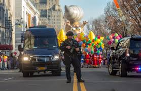 new york balloons floats as nyc thanksgiving parade gets underway