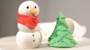 Christmas Tree Frosting How To Make A Fondant Christmas Tree Howcast The Best How To