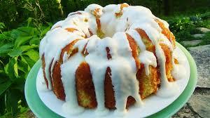 lemon pound cake with lemon buttercream icing