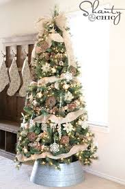 White Christmas Decorations For A Tree by Best 25 Burlap Christmas Tree Ideas On Pinterest Burlap