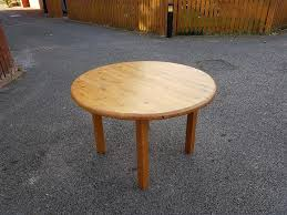 does round table deliver solid pine round dining table free delivery 325 in leicester