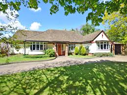 4 bedroom detached bungalow for sale in broadstairs