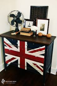 best 25 british themed bedrooms ideas on pinterest union jack miss mustard seed is killing me with these union jack dressers love