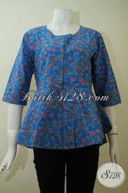 desain baju batik halus baju batik atasan model blus warna biru pakaian batik modern desain