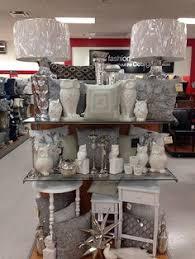 merchandising display home decor tj maxx endcap store display