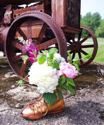 wedding flowers table arrangements diy wedding flowers the arrangements plaster disaster