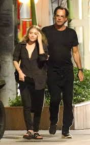 ashley olsen and boyfriend richard sachs enjoy romantic christmas