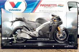 unwrapping perfection u2013 honda u0027s rc213v s arrives mcn
