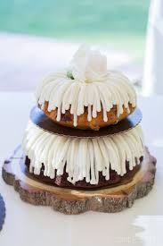 nothing bundt cakes wedding cake in boulder colorado wedding