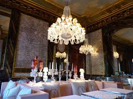 top luxury restaurants at paris with unique design lighting