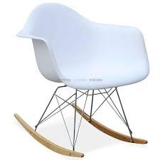 chaise bascule eames la fabrique dco rocking chair un fauteuil bascule design beau chaise