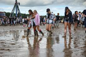 uk weather forecast for the bank weekend predicts washout